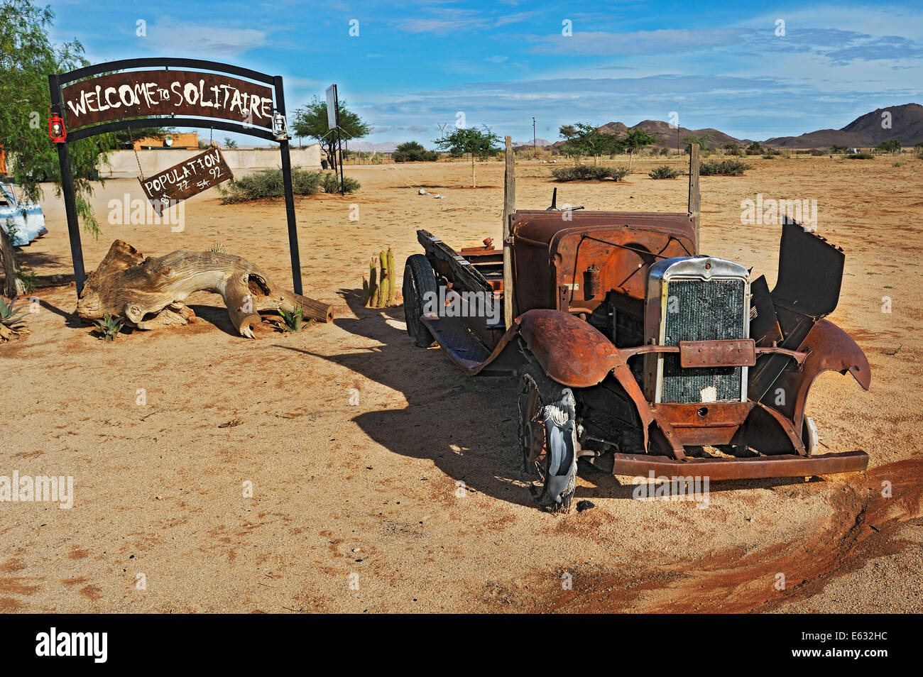 Car wreck, Solitaire, historically Areb, since 1848 a small private settlement on the same named farm - Stock Image