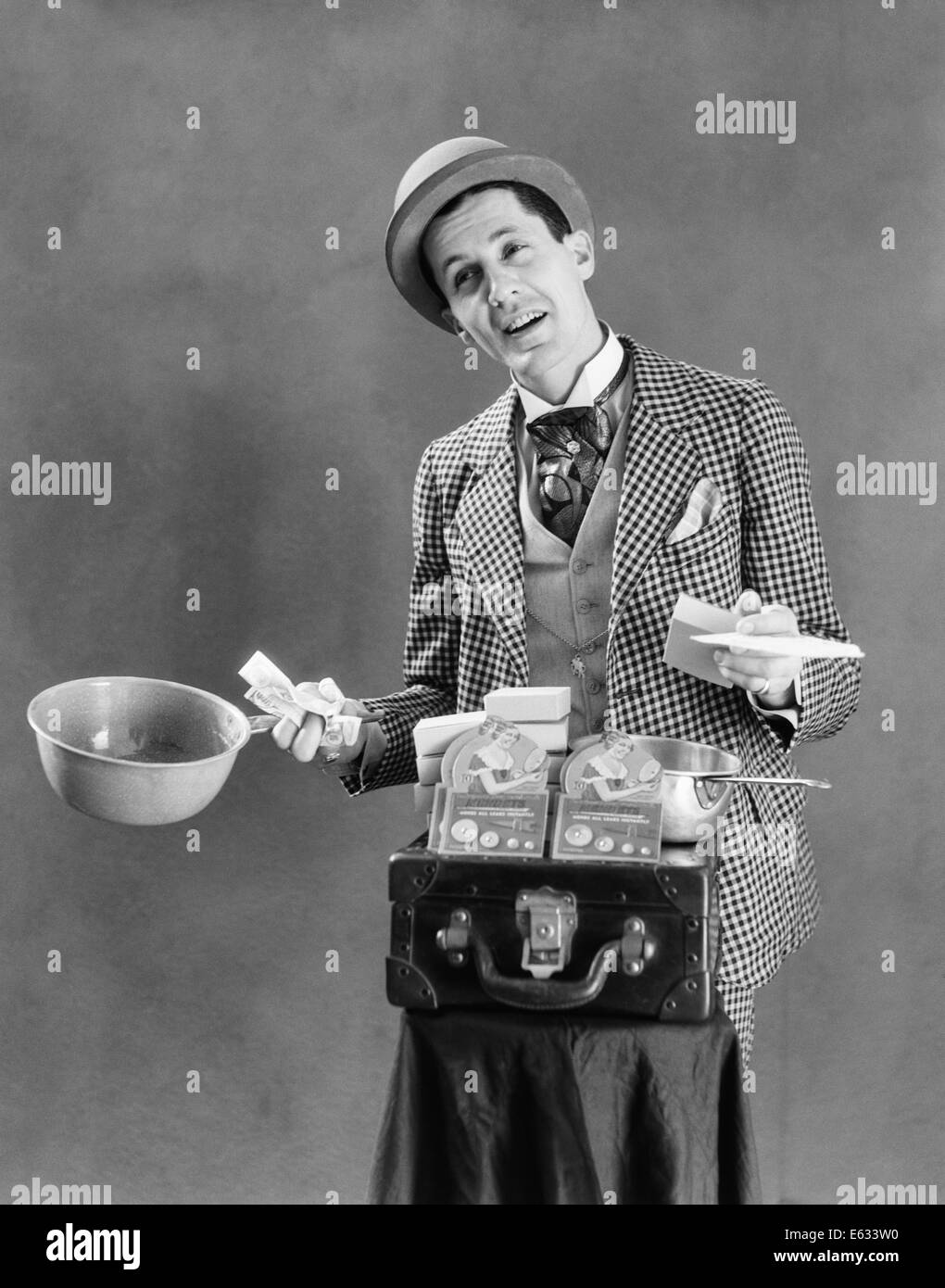 1910s 1920s CHARACTER CON MAN BARKER TRAVELING SALESMAN WEARING BOWLER HAT  LOUD VAUDEVILLE TYPE CLOTHING SELLING