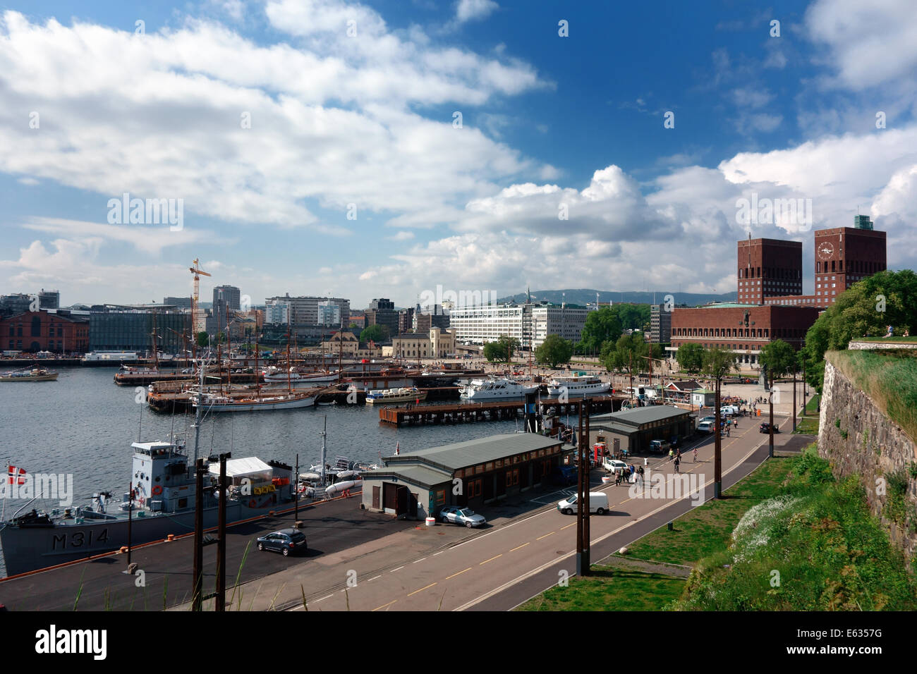 Boats moored on Oslo waterfront - Stock Image