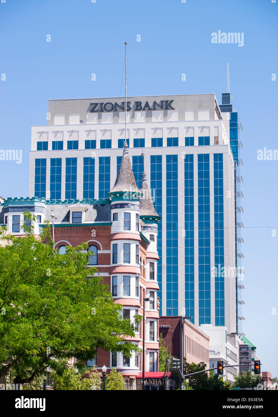Downtown Boise Skyline,The Idanha Hotel built in 1901 is dwarfed by the new Zion Bank Building, Boise, Idaho - Stock Image