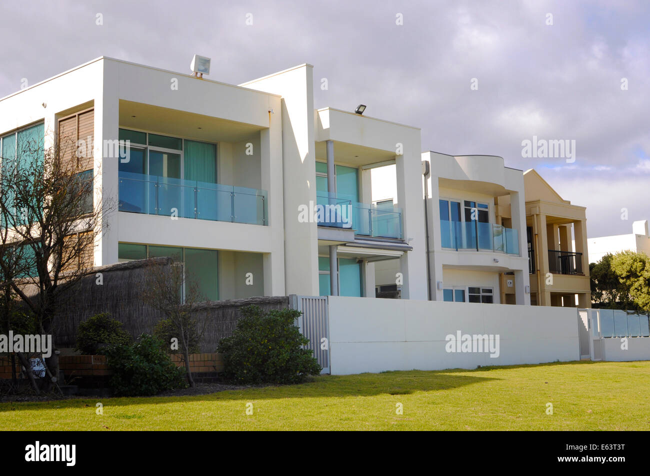 Example Of Modern Luxury Two Story Architecture Of Australian Homes  Overlooking Beach.