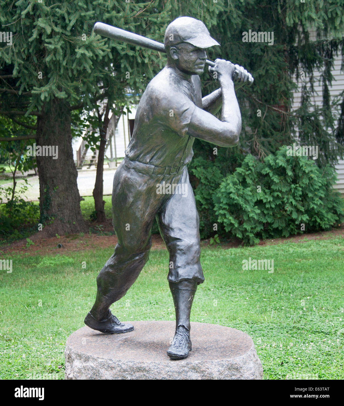 Baseball legend James Foxx statue in a park in Sudlersville Maryland - Stock Image