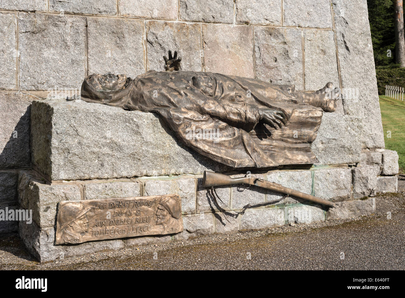 Bronze sculpture, dead soldier with a rifle, French military cemetery, First World War, Col du Wettstein, Vosges, - Stock Image