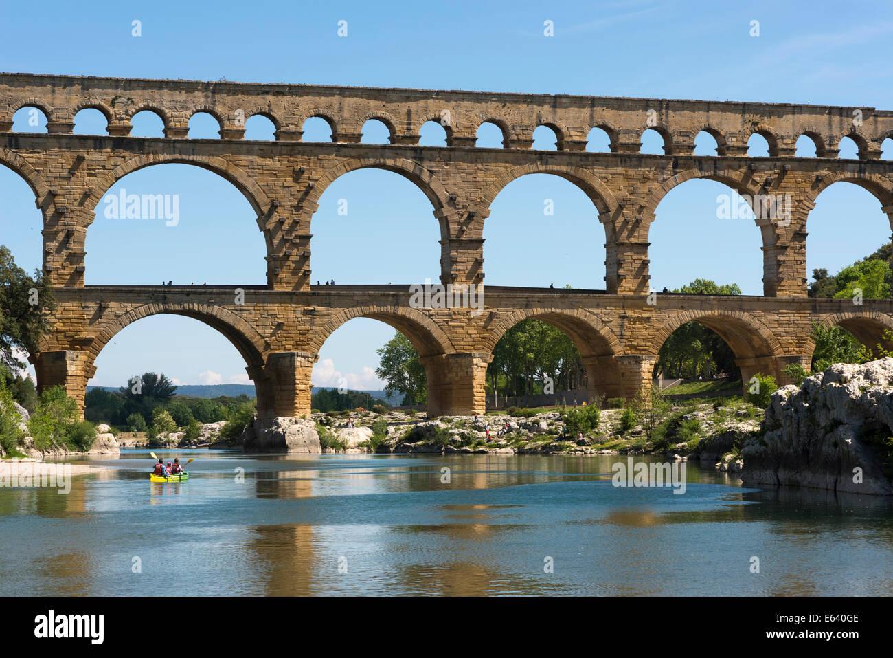 Pont du Gard, Roman aqueduct, UNESCO World Heritage Site, over the Gardon River, Vers-Pont-du-Gard, Département Stock Photo