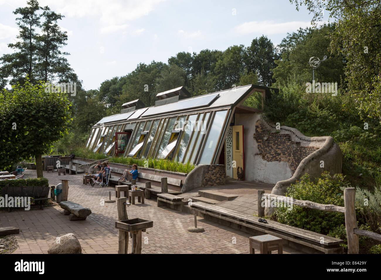 First Dutch earthship sustainable building at Doepark Nooterhof in Zwolle (Netherlands) - Stock Image