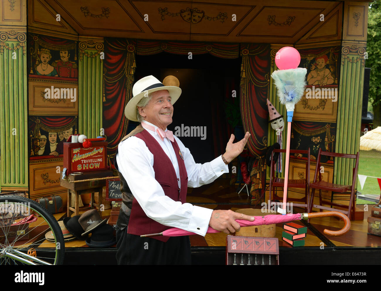 David Alexander childrens entertainer known as 'Mr Alexander Travelling Show' - Stock Image