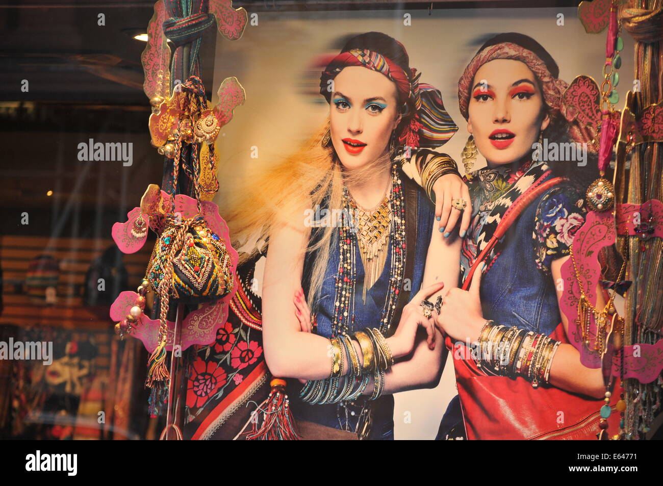 LONDON, UK - AUGUST 23, 2010: Vintage accessories on display in window shop in central London (illustrative editorial) - Stock Image