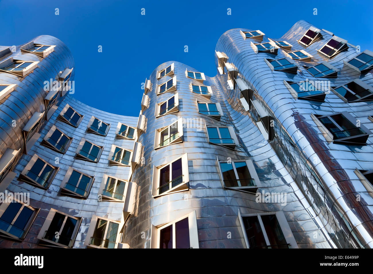 The Neuer Zollhof building by Frank Gehry at the Medienhafen or Media Harbour, Dusseldorf, Germany. - Stock Image