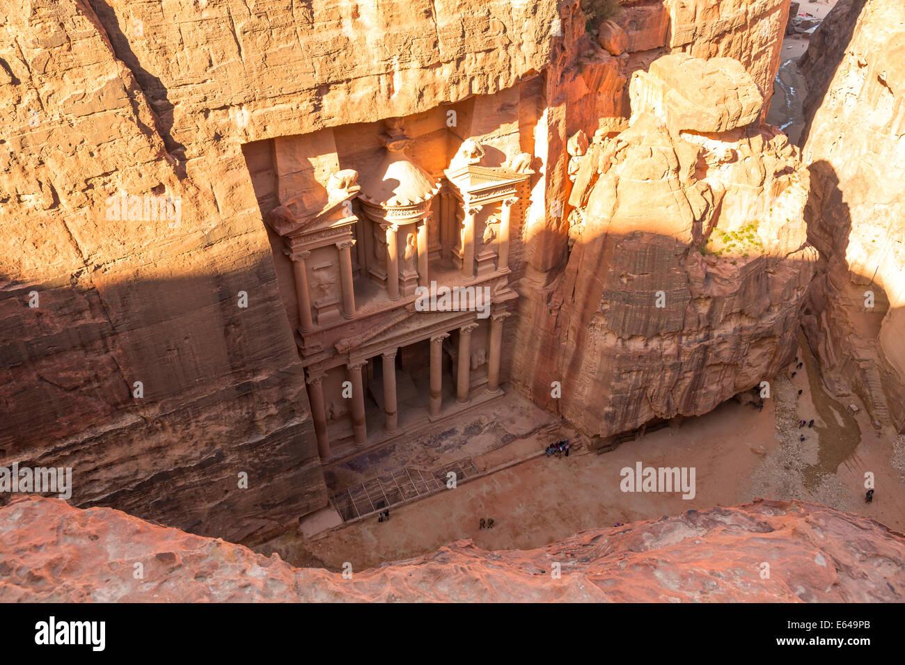 The Treasury, (El Khazneh), Petra, Jordan - Stock Image