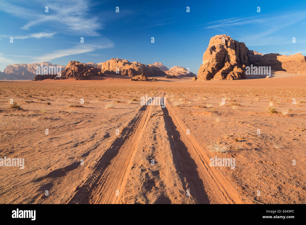 Tracks in the desert, Wadi Rum, Jordan Stock Photo