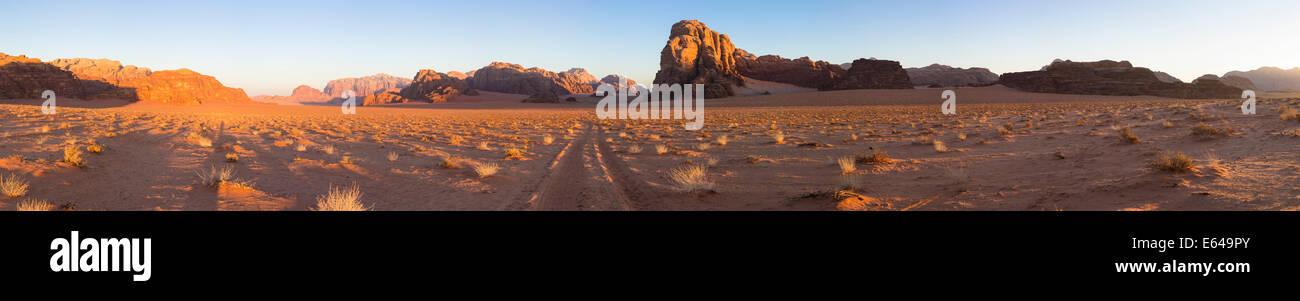 Tracks in the desert, Wadi Rum, Jordan - Stock Image