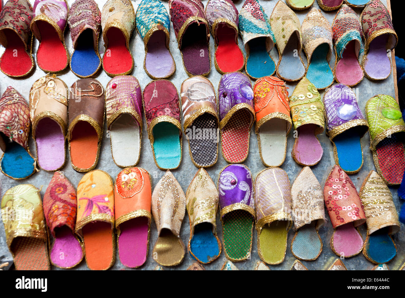 Leather slippers for sale in the Souk, Marrakech (Marrakesh), Morocco - Stock Image