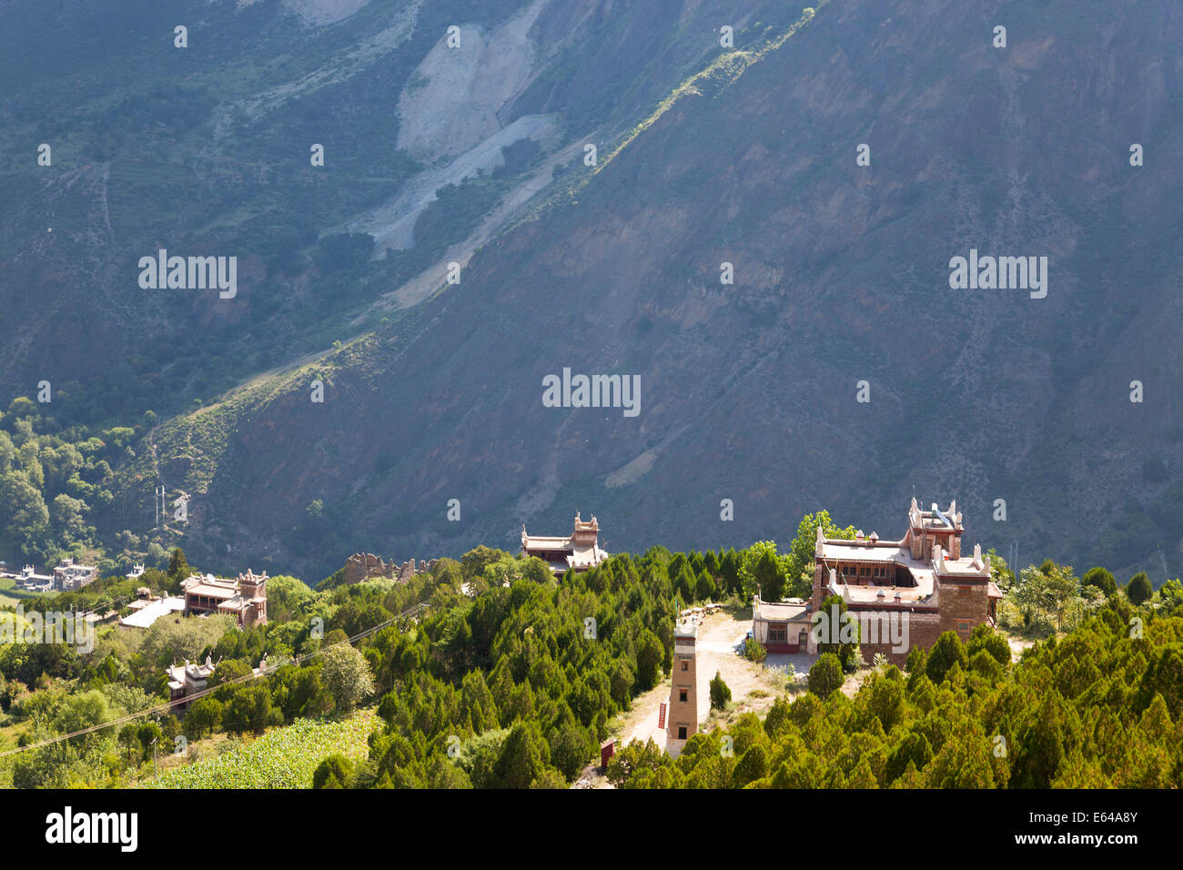 Tibetan houses, Jaiju Zangxhai Village, Jaiju Valley nr Danba, Sopo area, Sichuan, China - Stock Image
