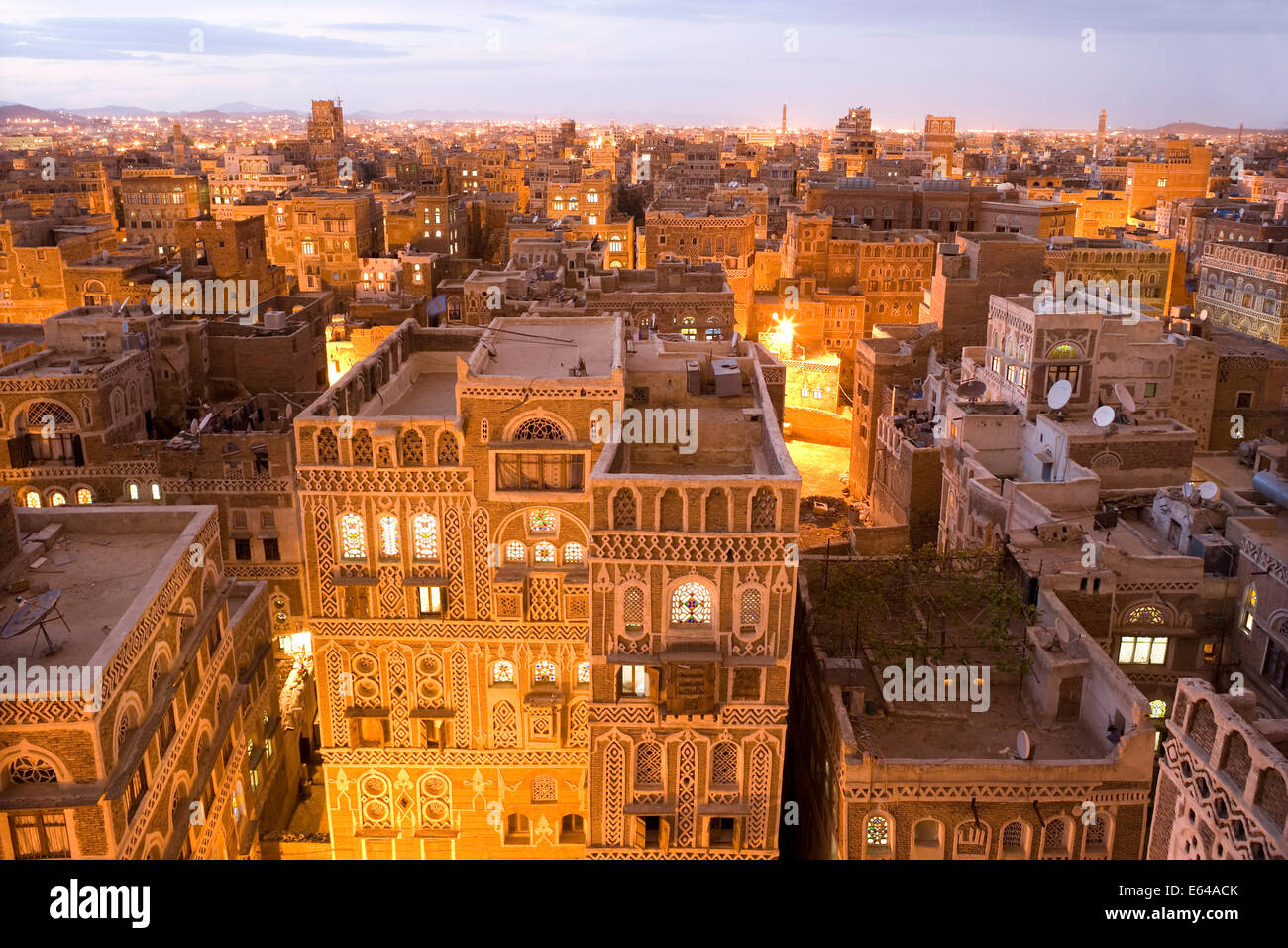 Dusk view of the cityscape of Sana'a, Yemen - Stock Image