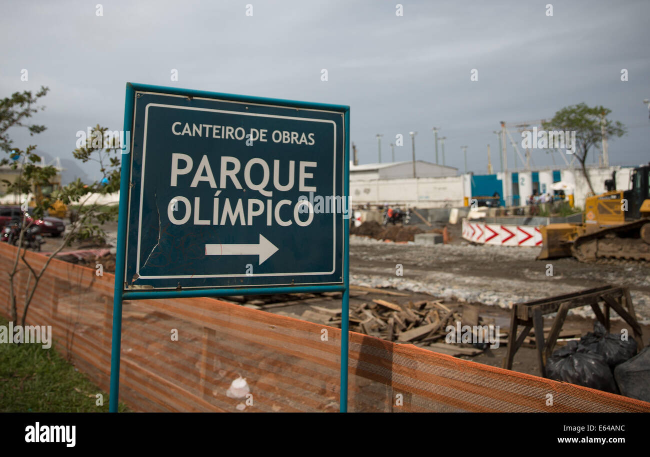 A sign points at the olympic park still under construction in Rio de Janeiro, Brazil, 5 August 2014.  The 2016 summer - Stock Image