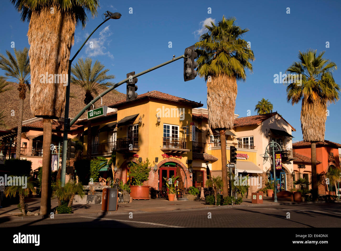 Downtown palm springs on palm canyon drive and la plaza for Shopping in palm springs ca