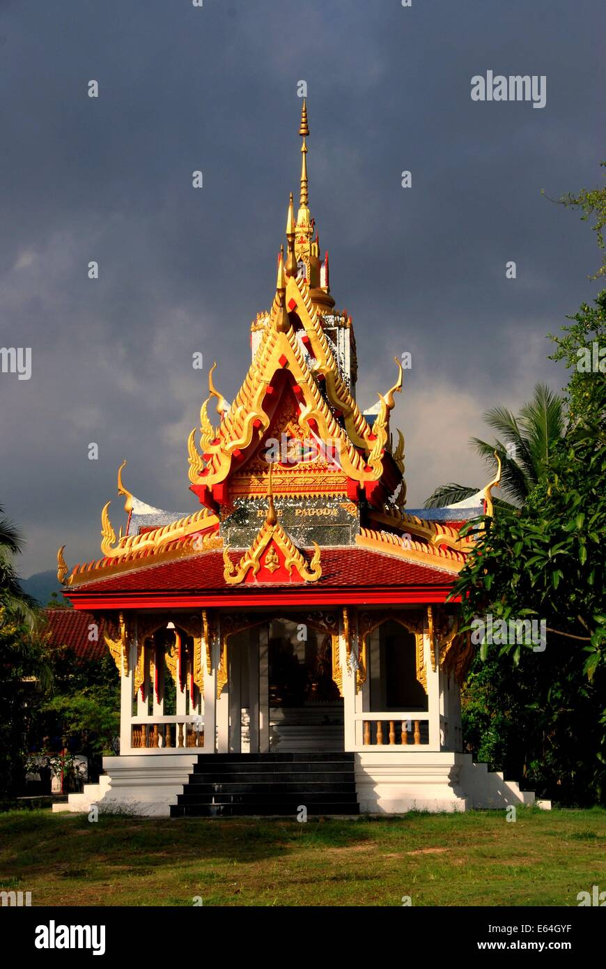 GEORGETOWN, MALAYSIA: A glorious pavilion with its ornate roof at the Thai Wat Buppharam Stock Photo
