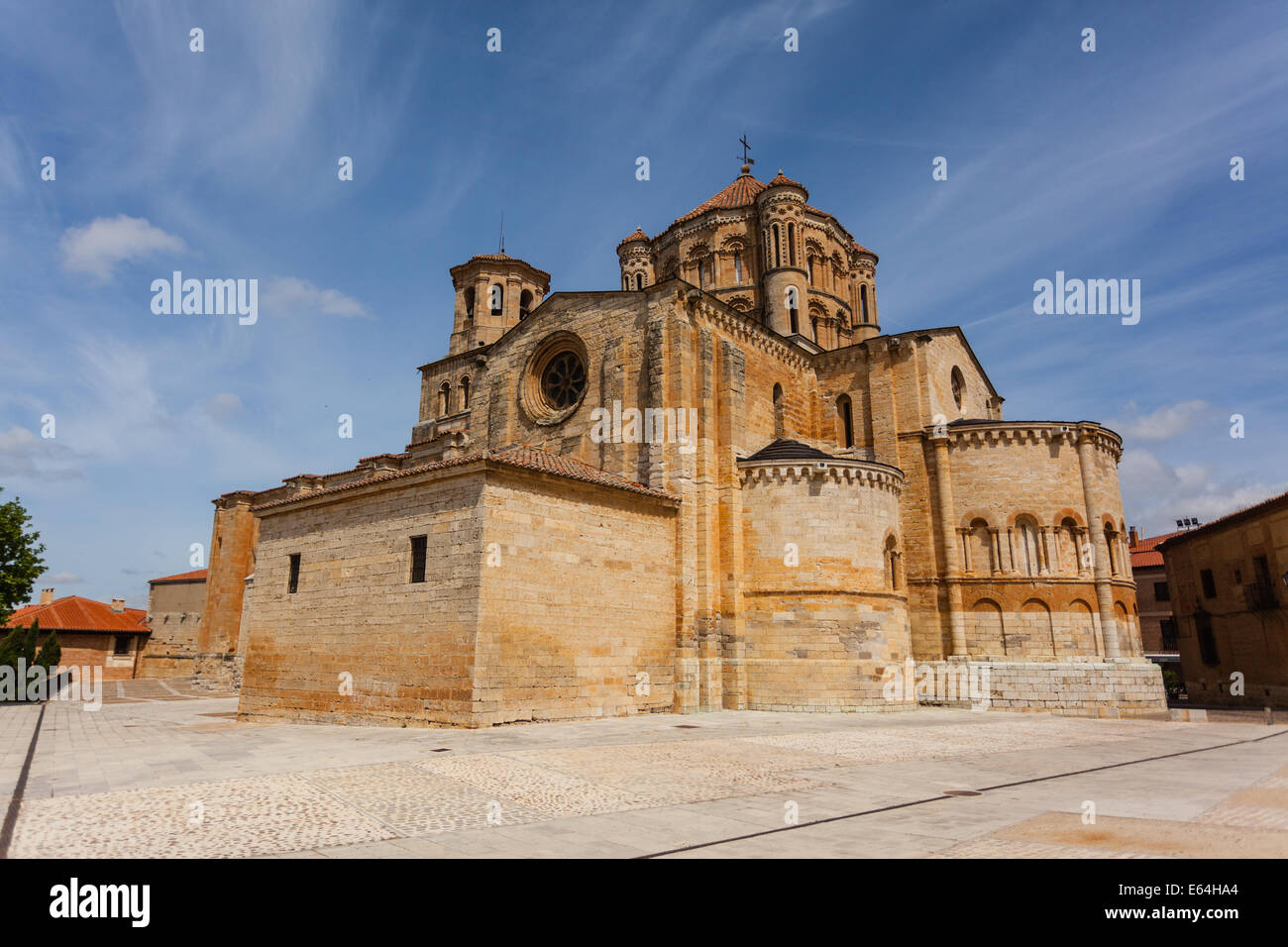 General view of Toro great romanesque collegiate church in Zamora ,Spain Stock Photo