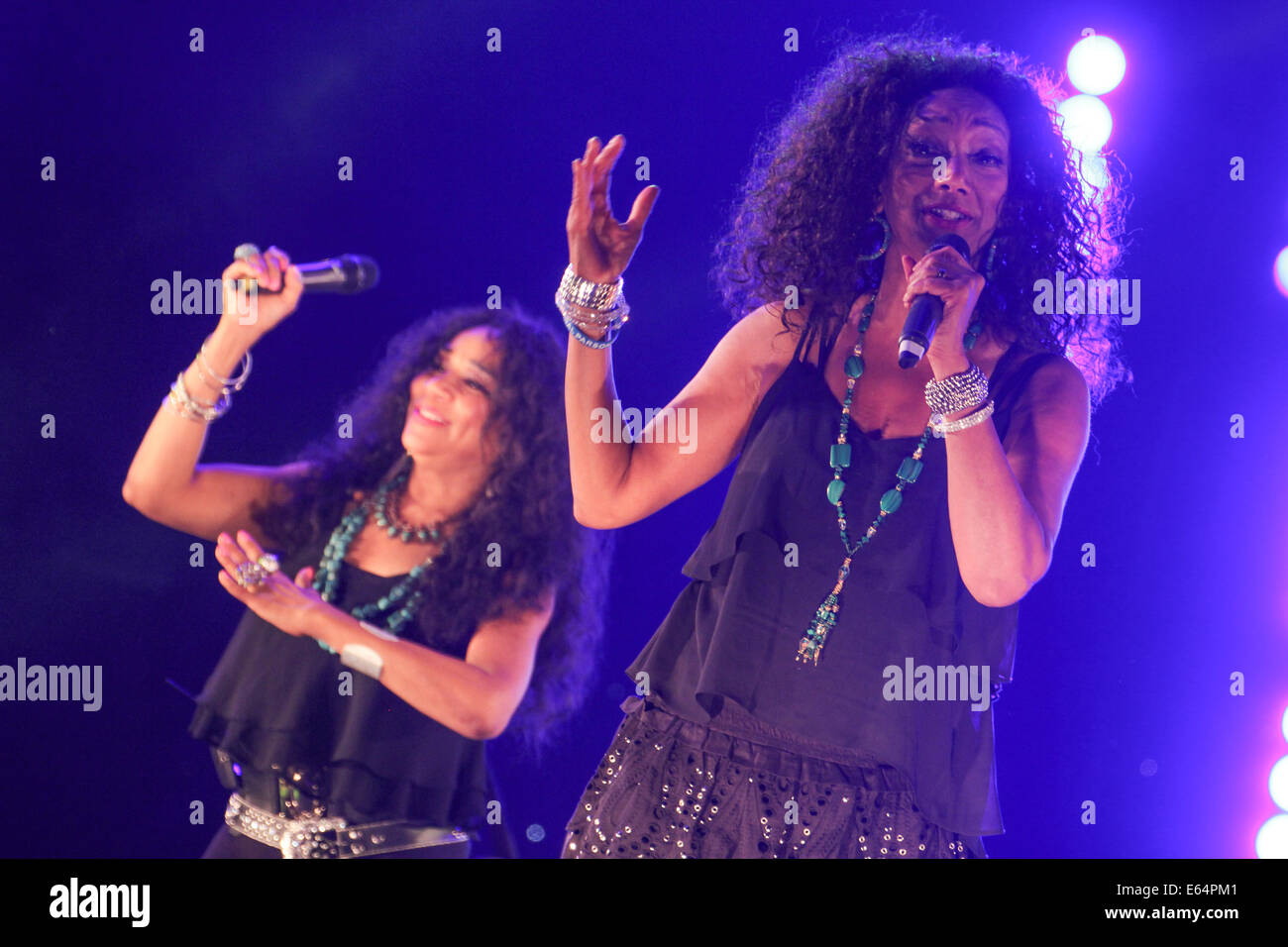 ​Sisters Debbie, Kim, Joni​  lit up the stage for the annual ​Under the Stars concert at Central Park, East Ham - Stock Image