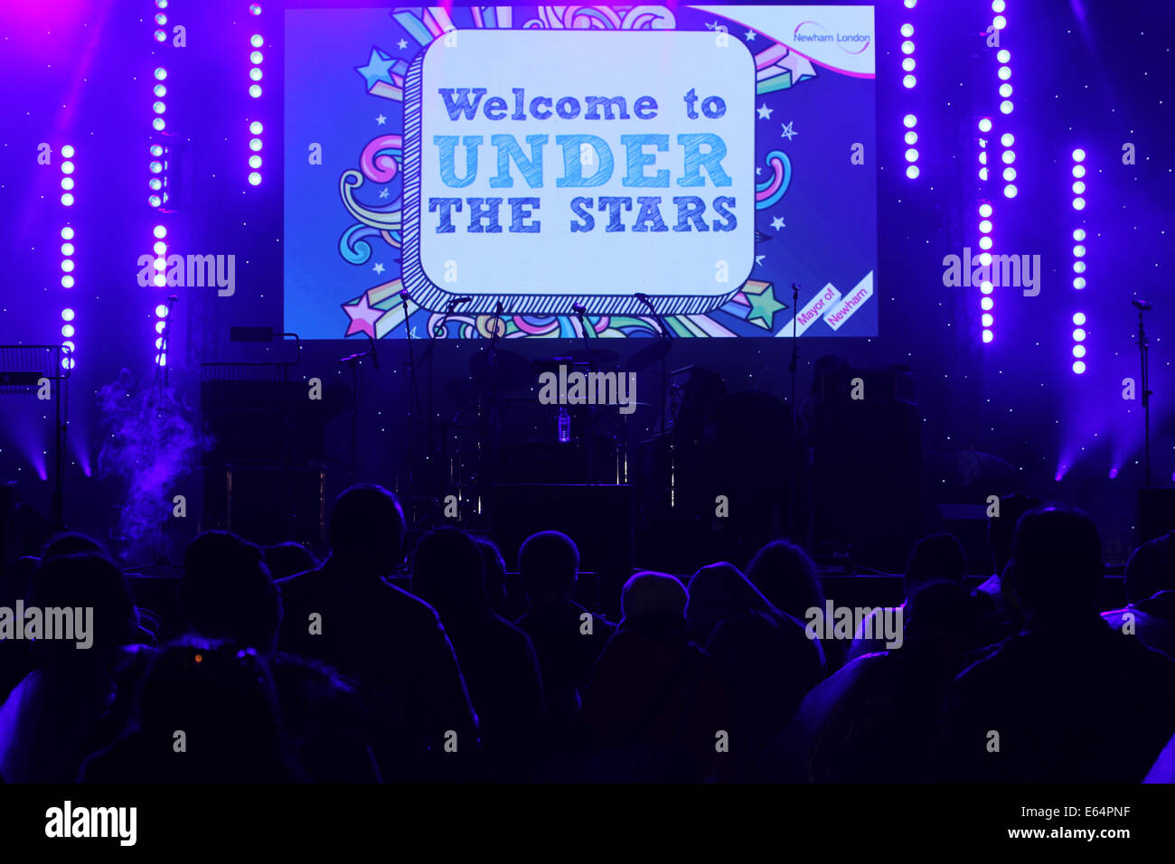 Under the stars banner projected on stage ahead of the Sister Sledge perfornance. Credit: David Mbiyu/ Alamy Live - Stock Image