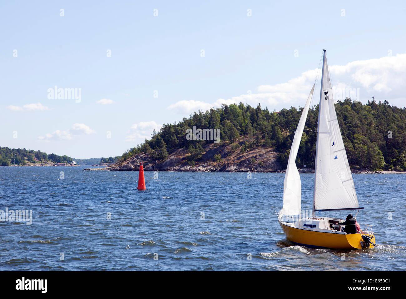 Sailing boat in the Stockholm archipelago, Stockholm, Stockholm County, Sweden - Stock Image