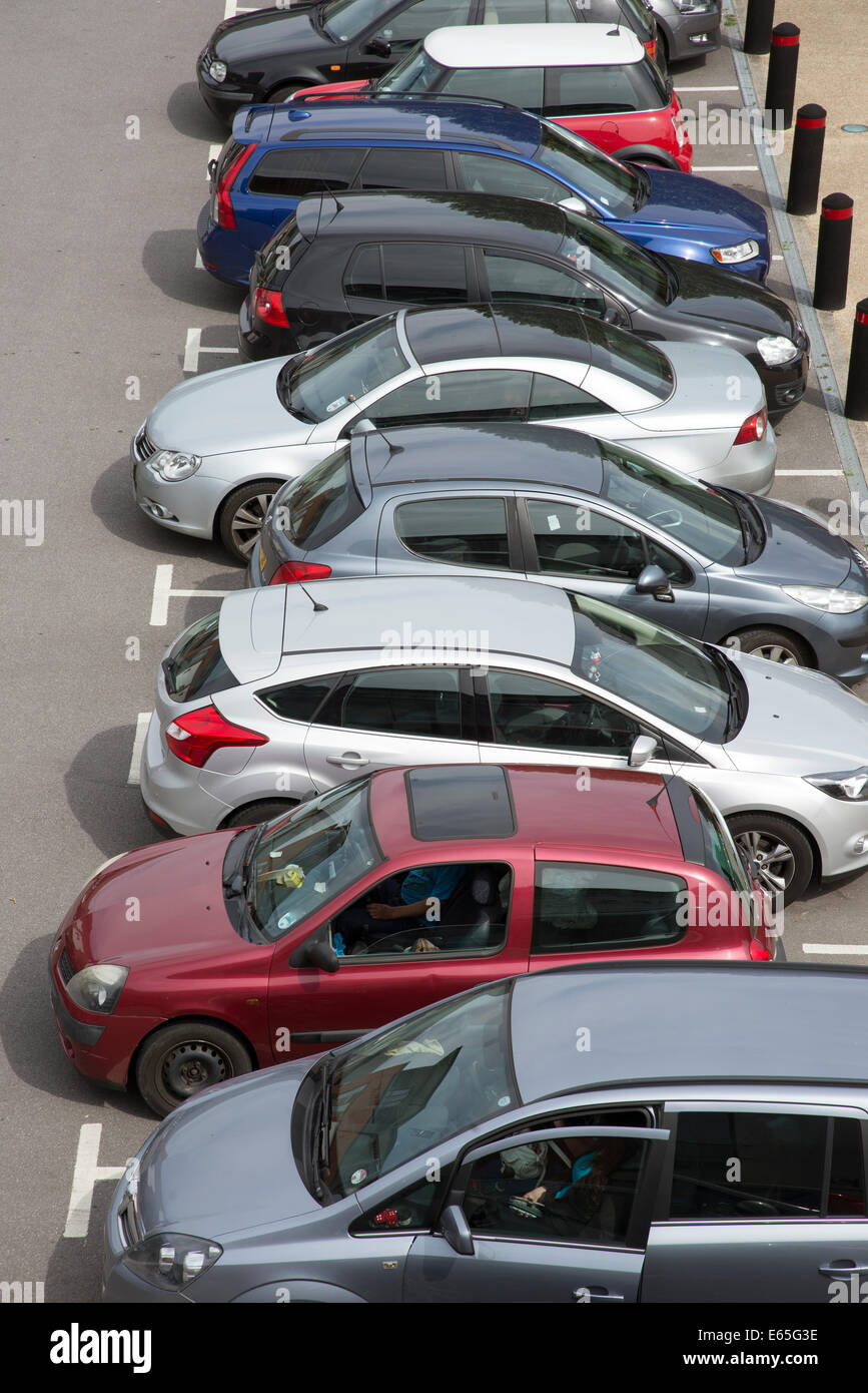 Overview of cars parked in a car park - Stock Image