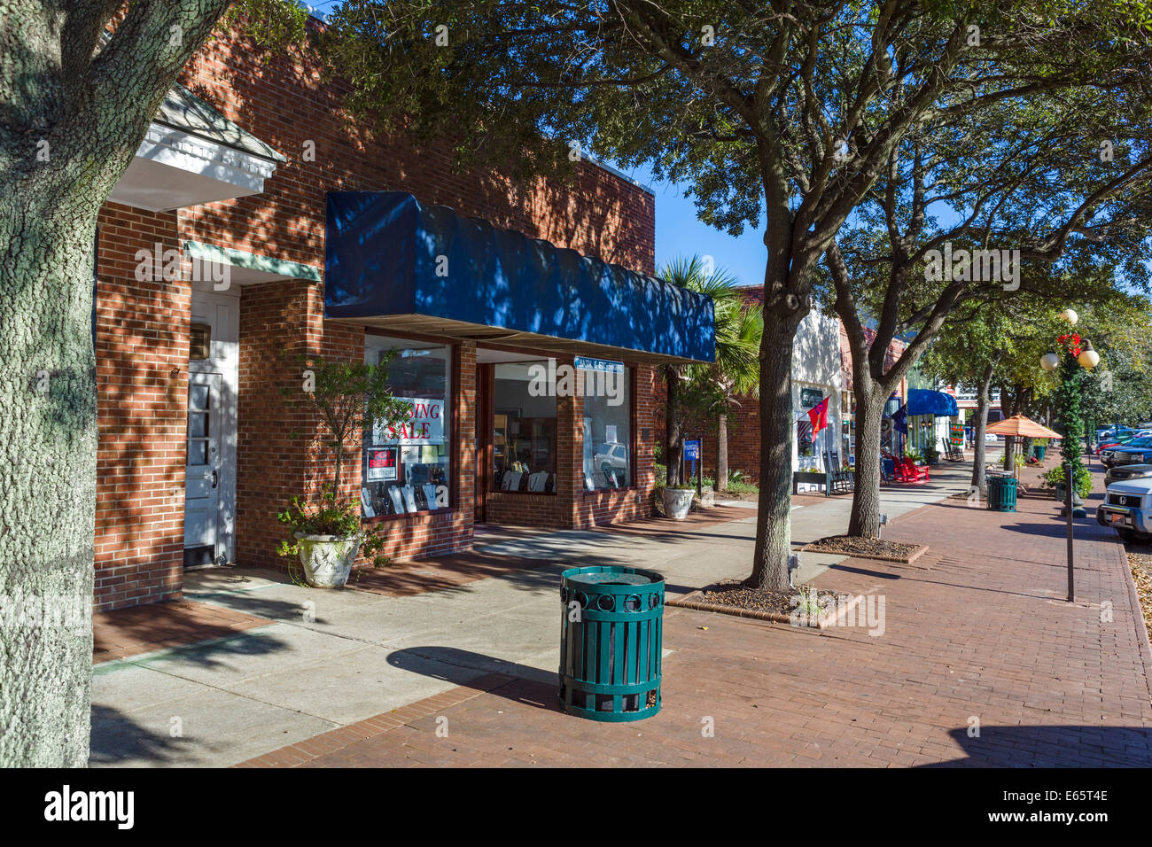 Shops on Front Street in historic Georgetown, South Carolina, USA - Stock Image