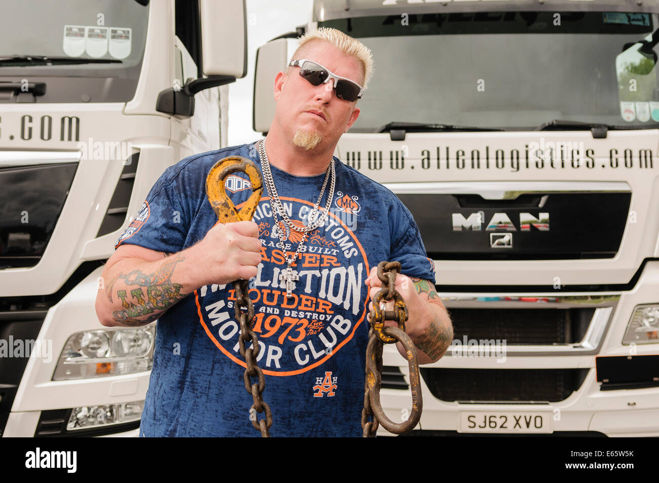 Lisburn, Northern Ireland. 15 August 2014 - Ron 'Ronnie' Shirley from Lizard Lick Towing opens Truckfest, - Stock Image