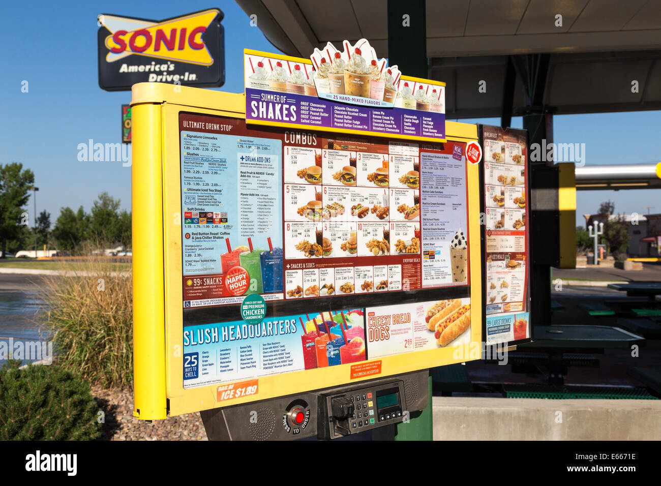 Sonic Sign Stock Photos & Sonic Sign Stock Images - Alamy