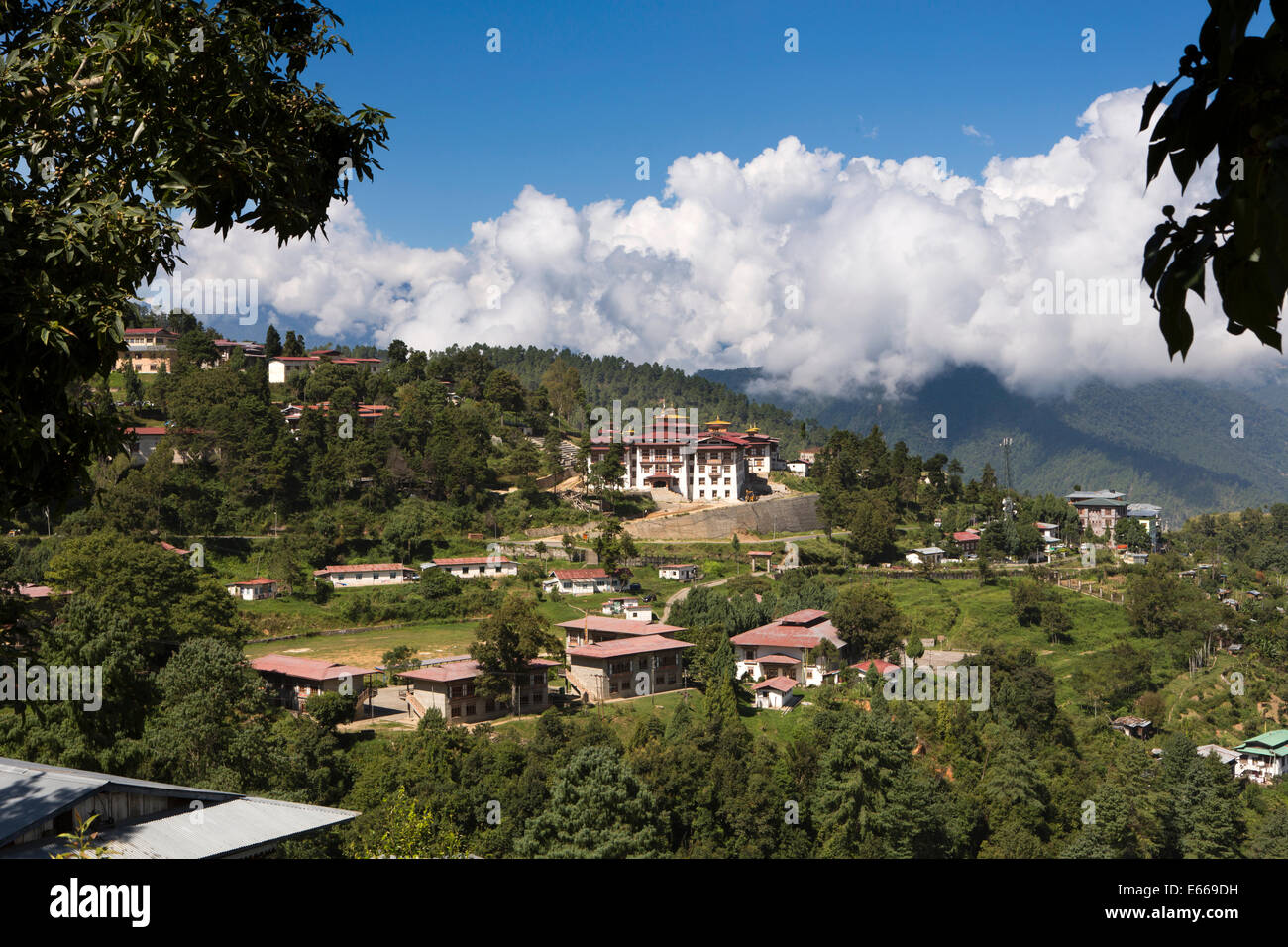 Eastern Bhutan, Mongar, view across town to Dzong - Stock Image