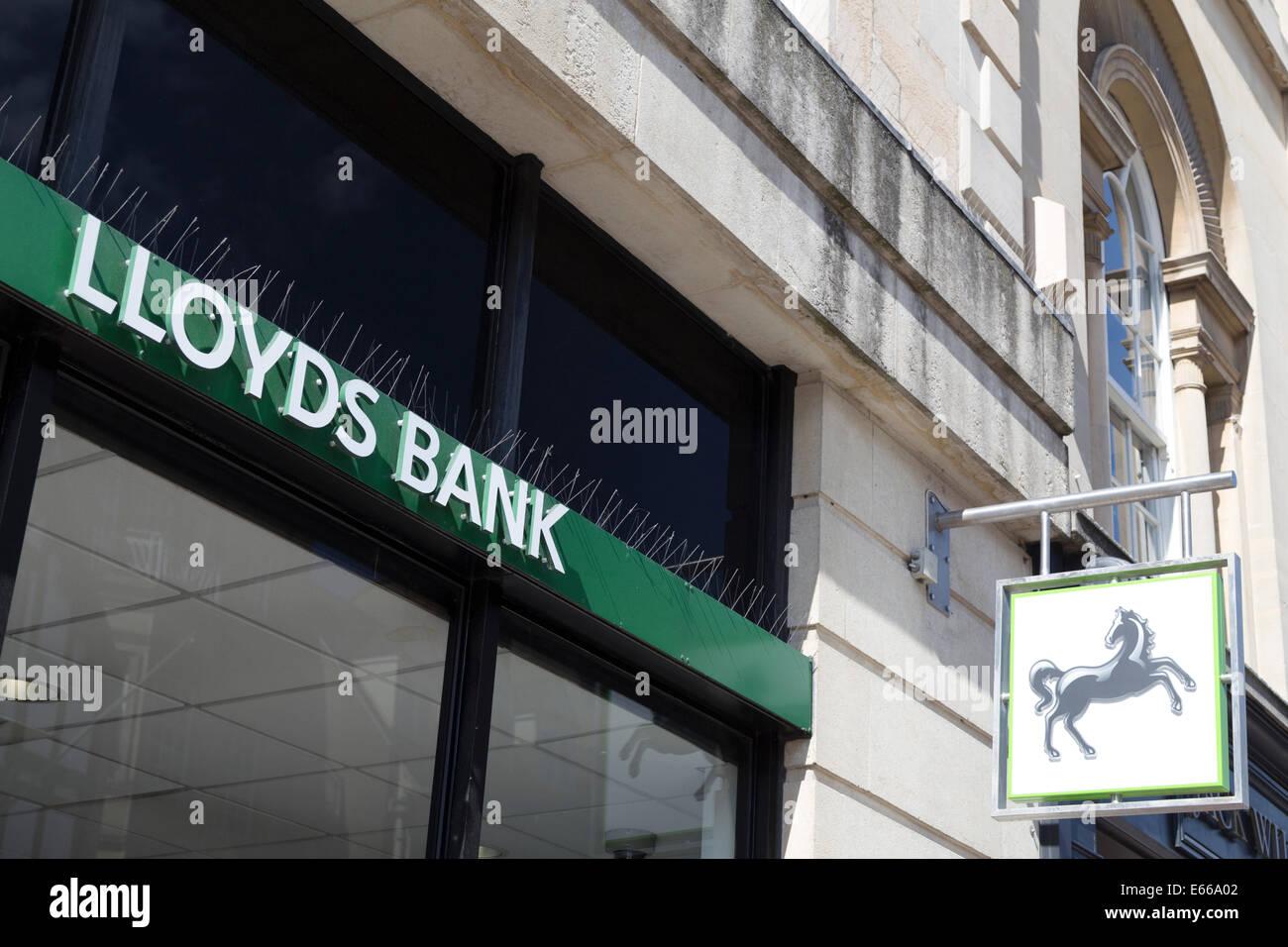 UK, Oxford, Lloyds Bank signage outside branch. - Stock Image