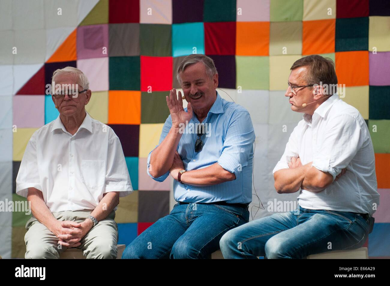 Paide, Estonia. 15th Aug, 2014. People give their opinions at a session during the Festival of Opinion Culture in - Stock Image
