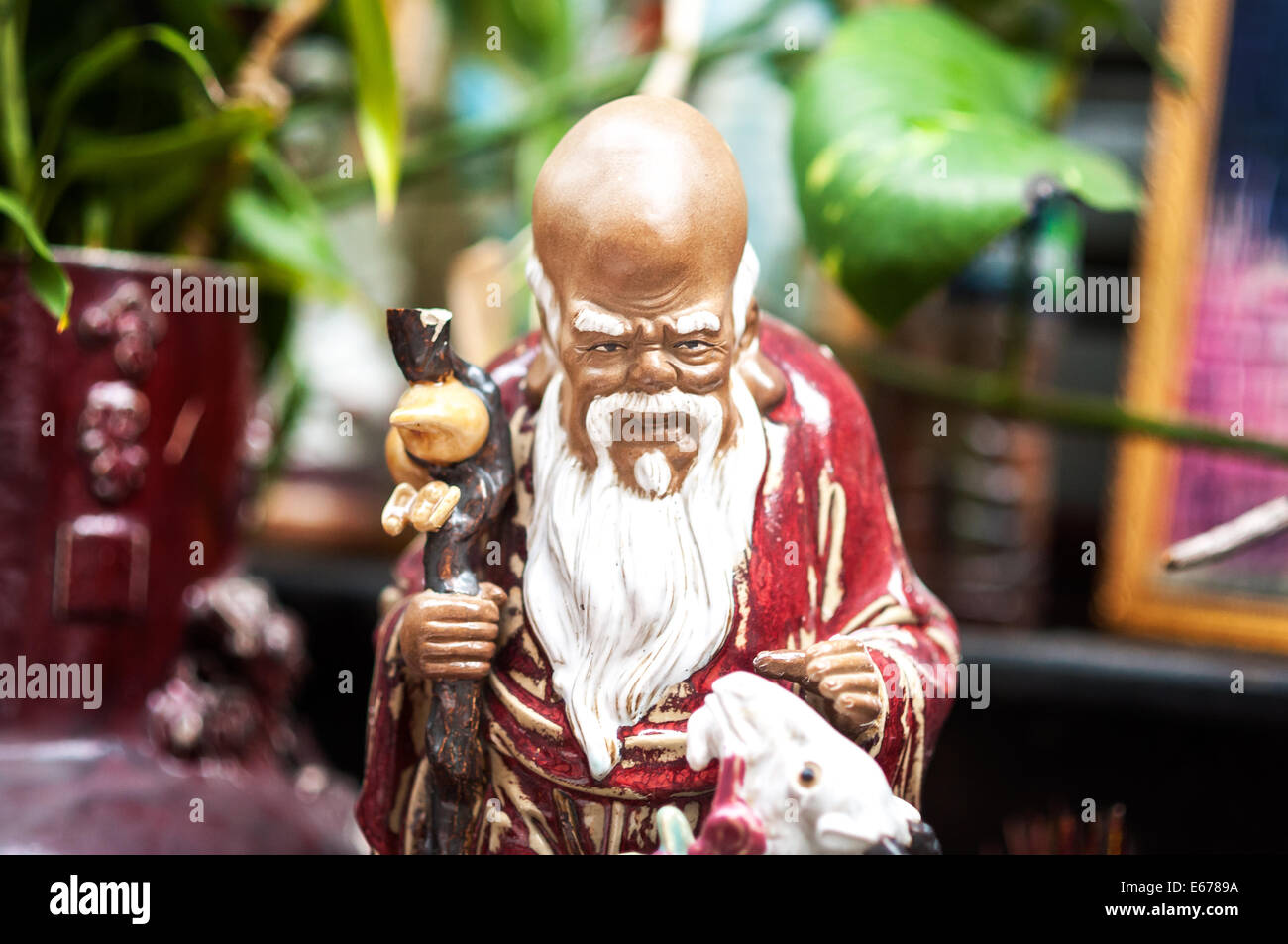 Statue of Shou Xing Gong the Chinese god of longevity - Stock Image