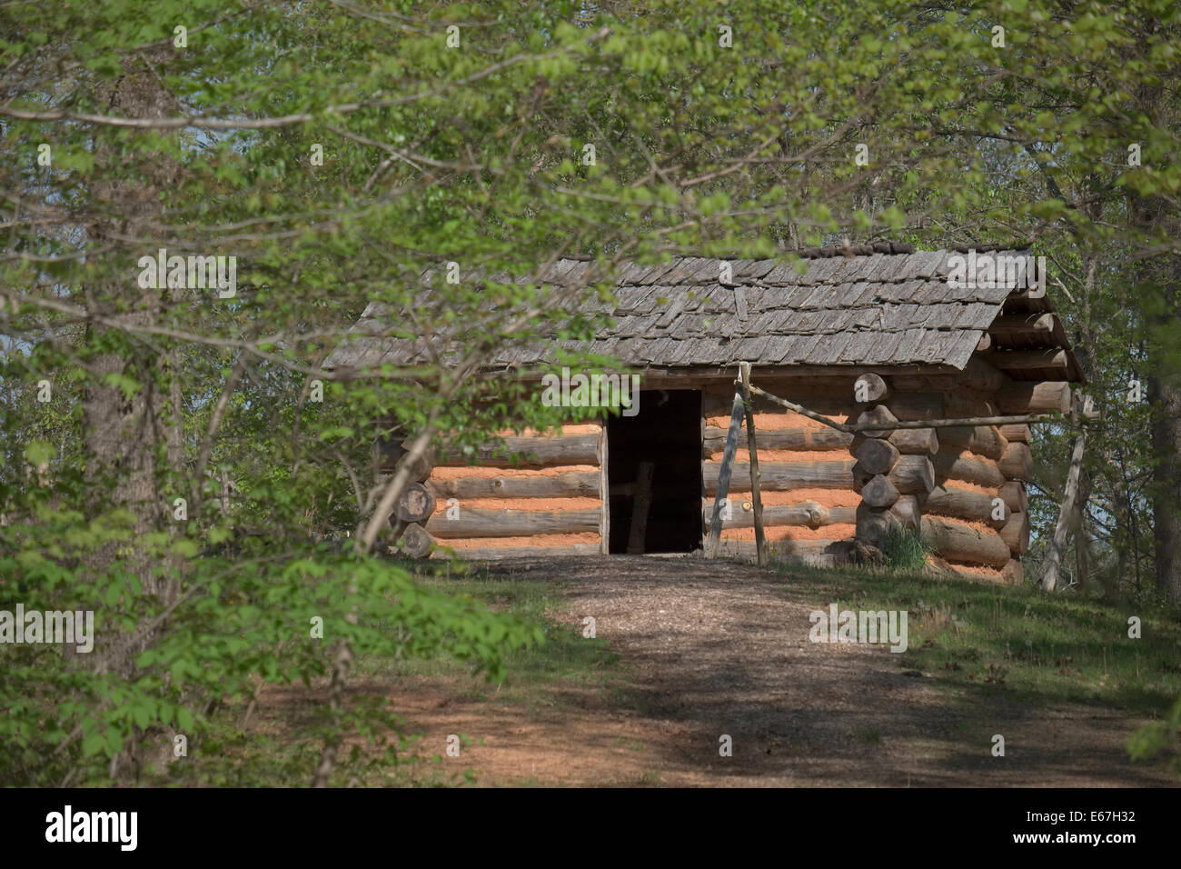 Boone's Cave Park 1740s Style Cabin - Stock Image