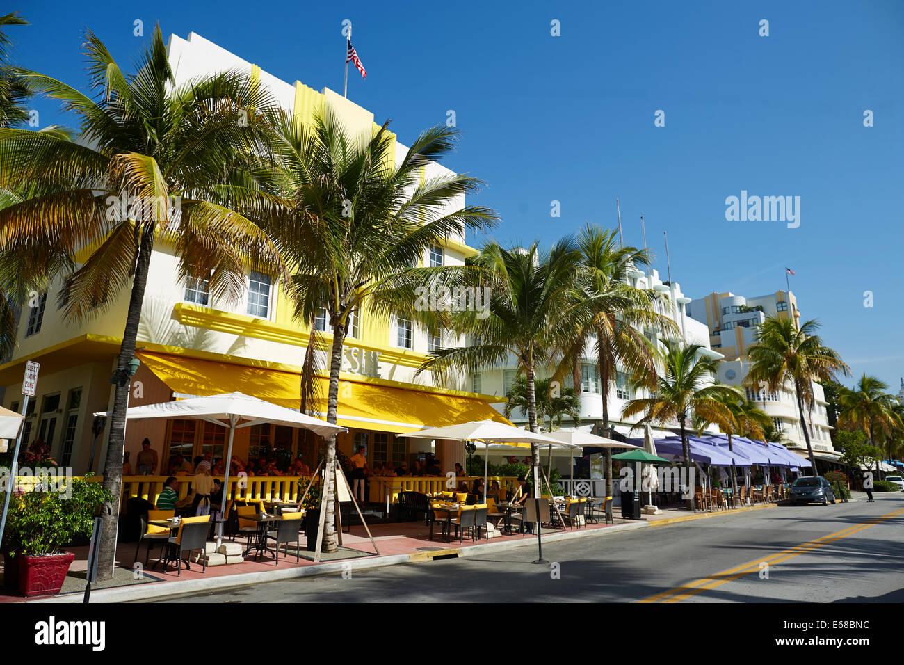 Ocean Drive South Beach Miami In Florida Usa Art Deco Shops