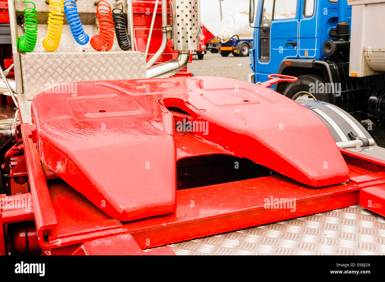 Articulating (rotating) hitch on the tractor unit of an articulated lorry - Stock Image