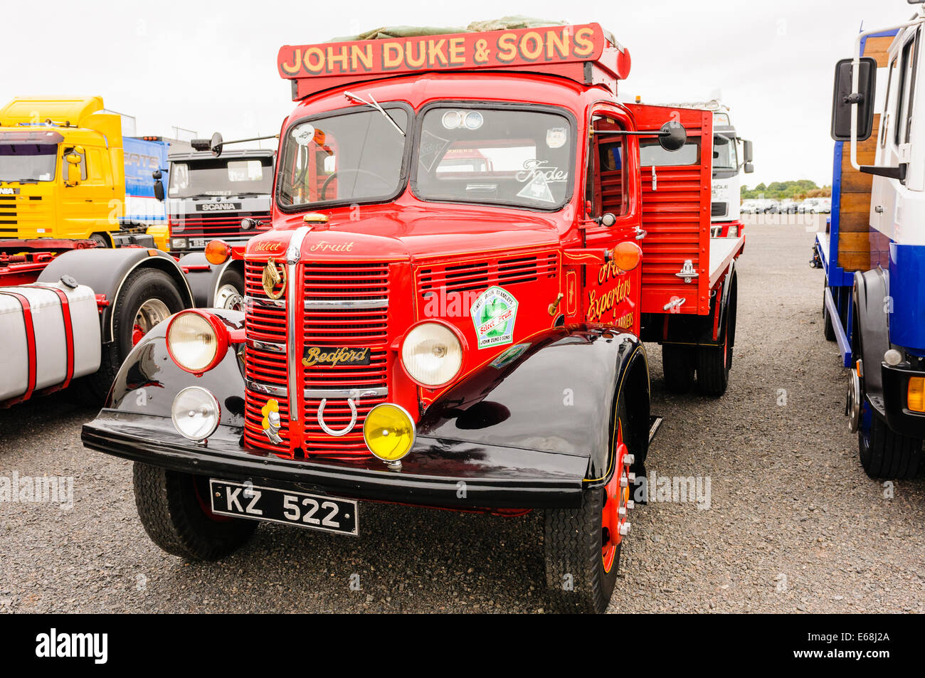 Old Bedford flat-bed lorry - Stock Image