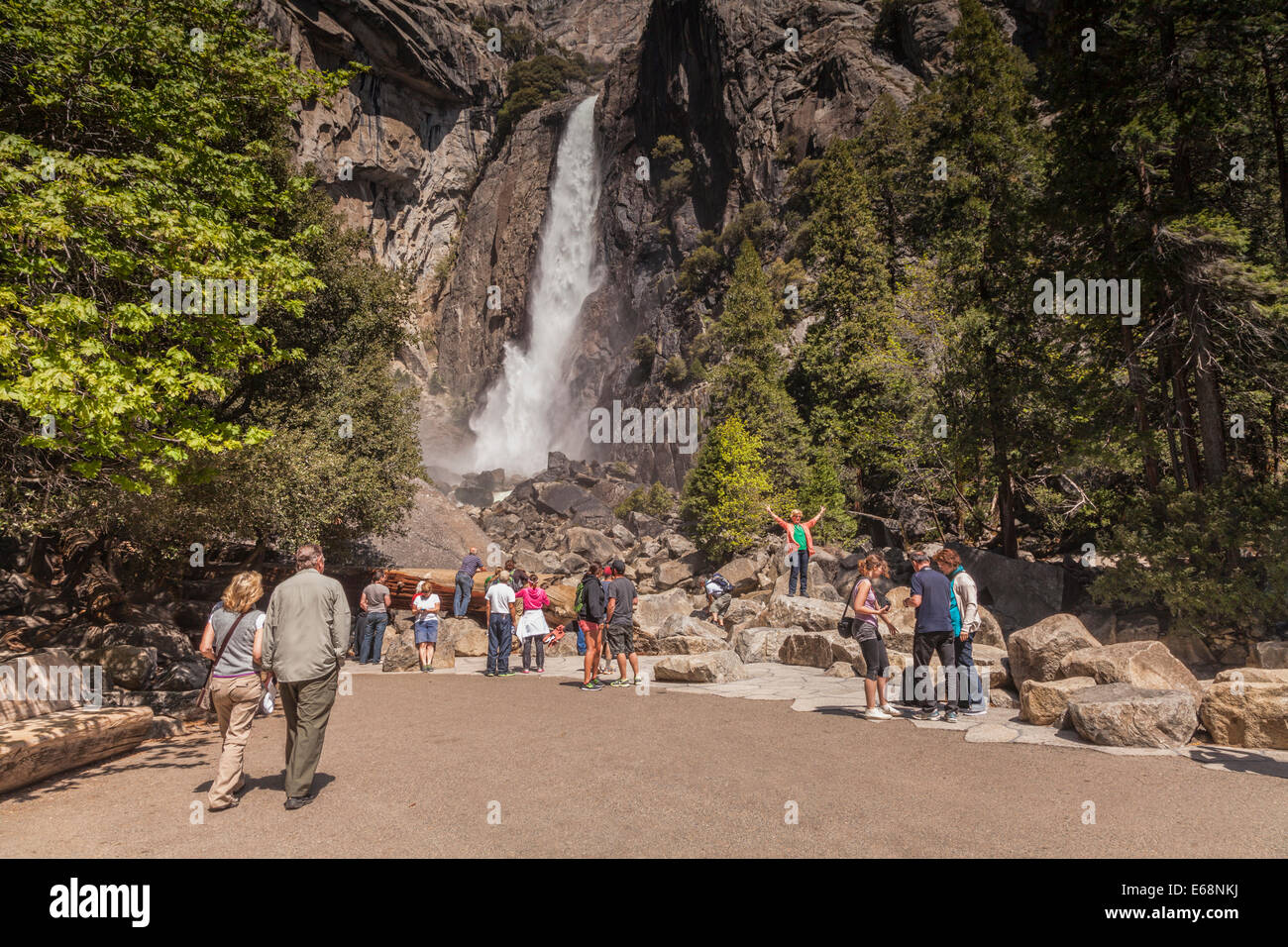 Tourists at Yosemite Falls, Yosemite National Park, California. - Stock Image