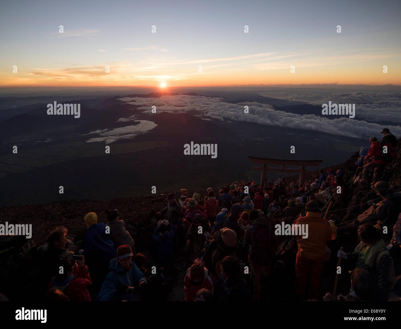 Mount Fuji, Japan. 19th Aug, 2014. The climbing season for Mt. Fuji runs July 1 to September 14. Thousands climb - Stock Image