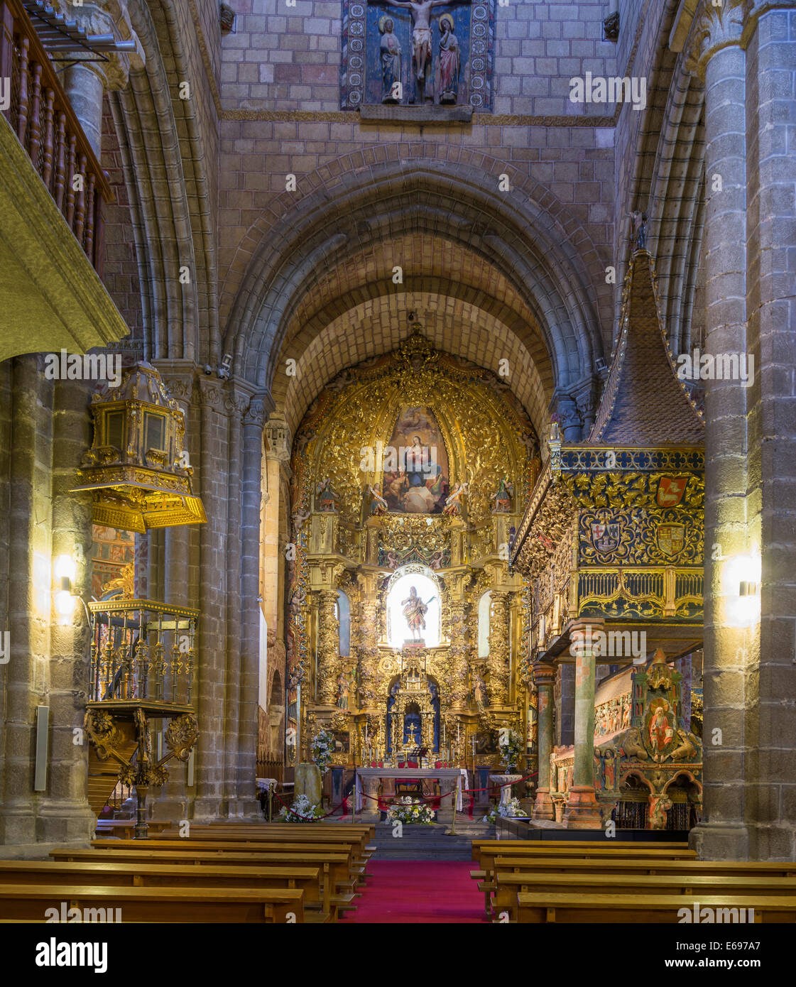 Altar In The Romanesque Basilica De San Vicente ávila Castile And Stock Photo Alamy