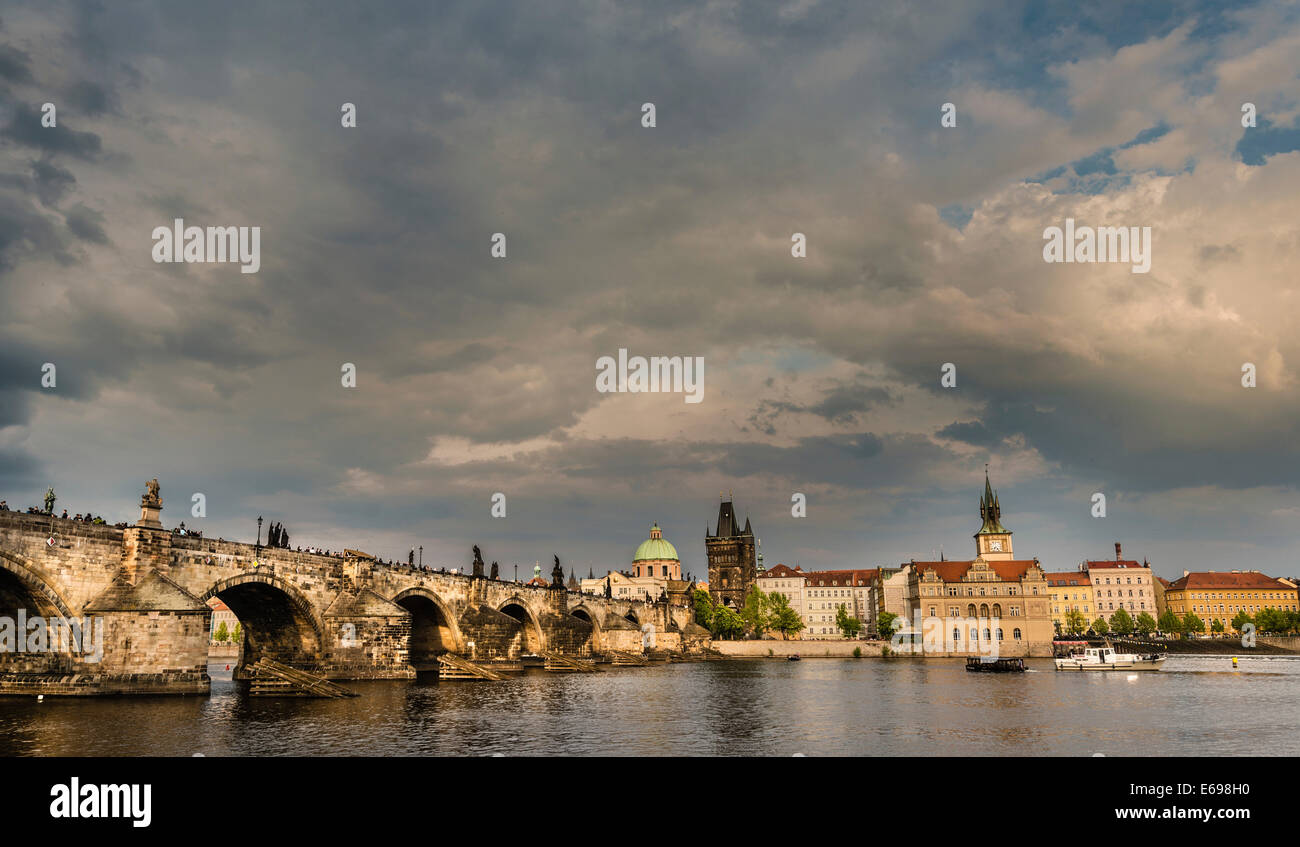 Vltava river with Charles Bridge or Karlův most, UNESCO World Heritage Site, evening atmosphere, Prague, Czech Republic - Stock Image