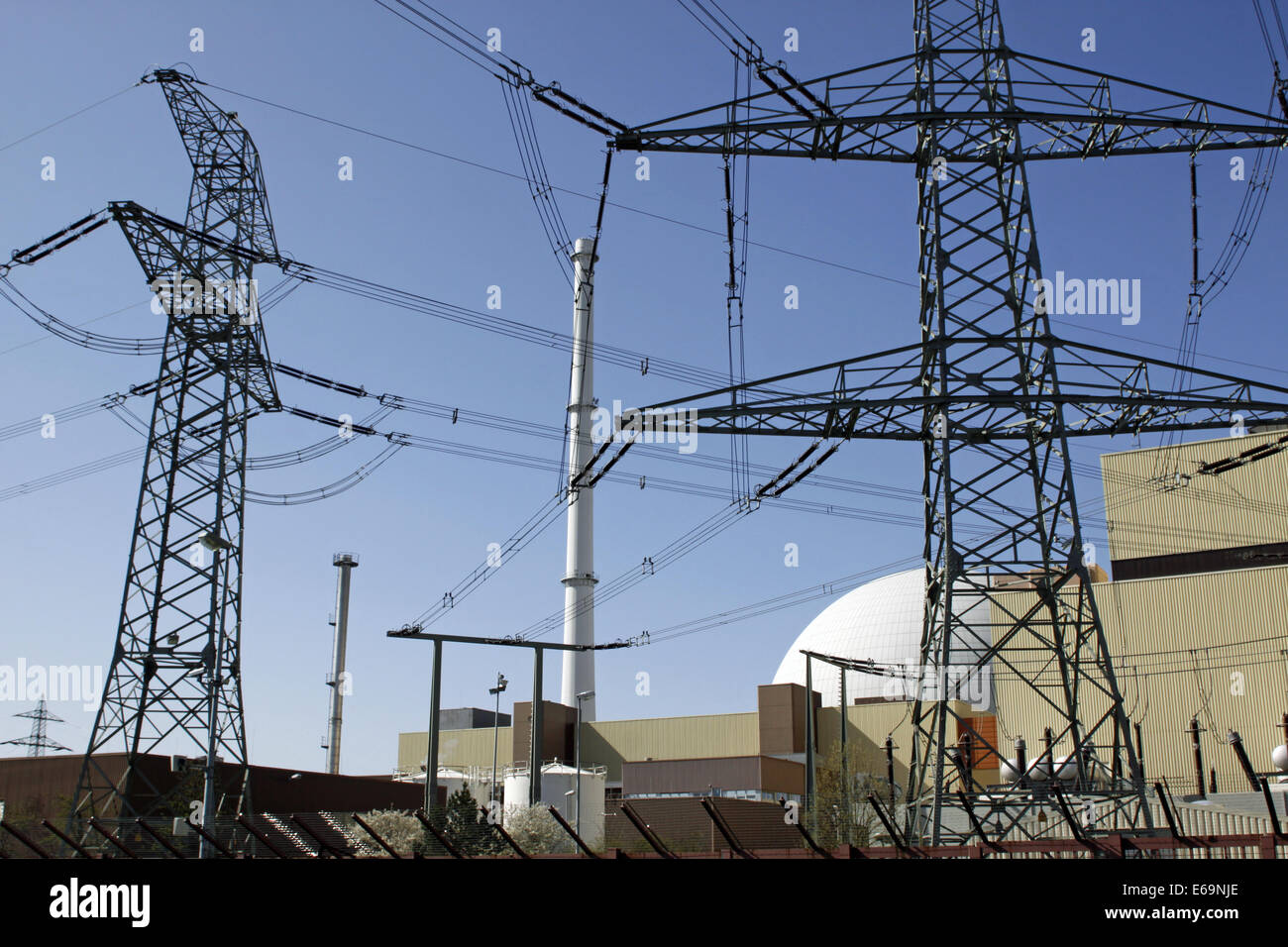 overhead line tower,nuclear power station - Stock Image