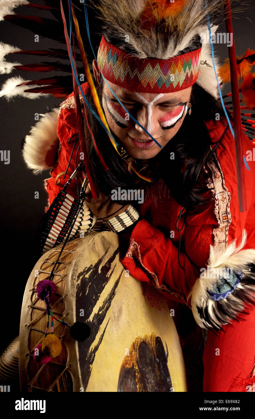 well dressed,drums,dancing,american tribal culture - Stock Image