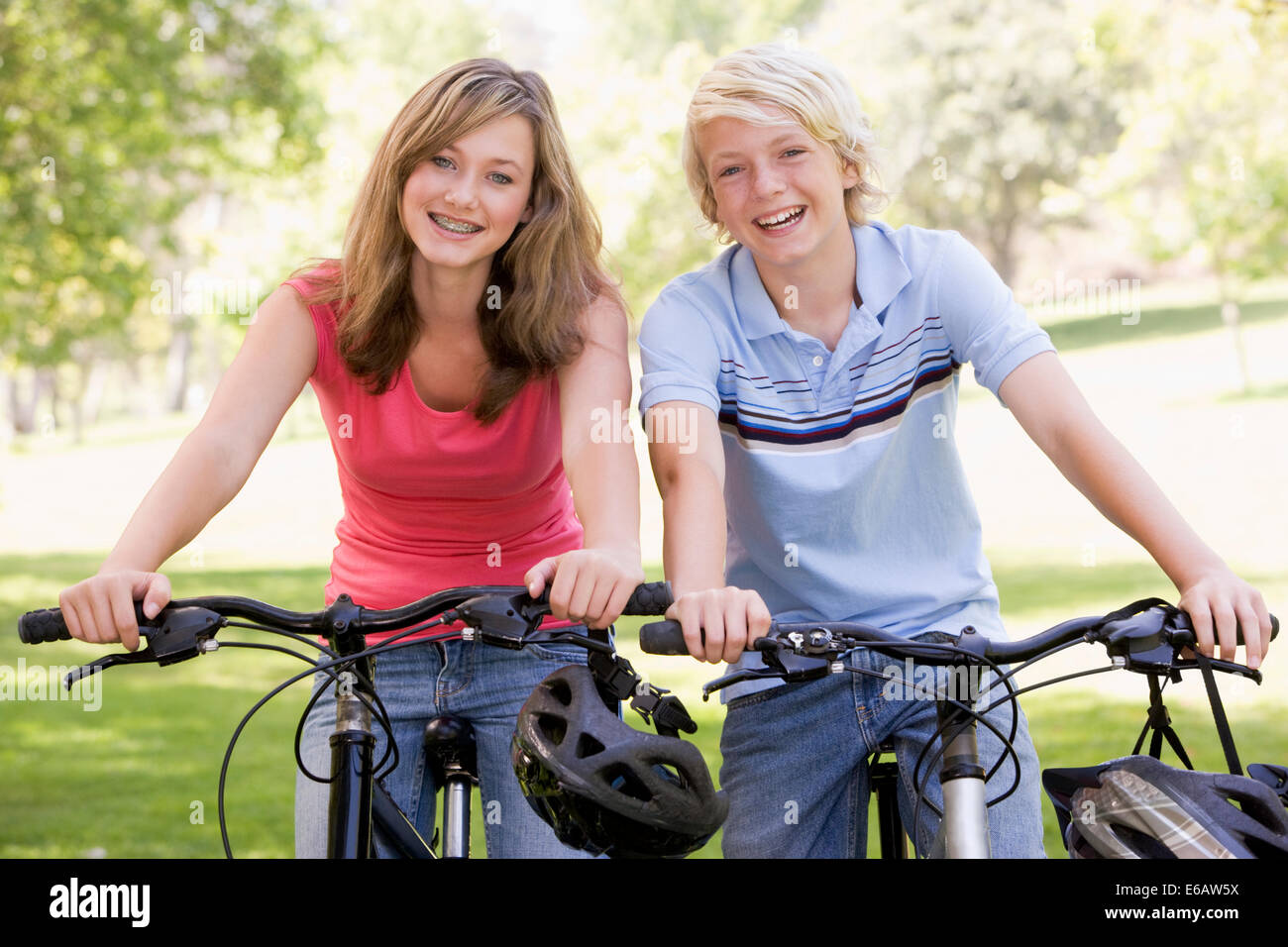 teenager,leisure,cycling,friends - Stock Image