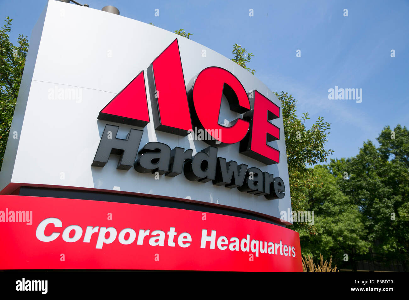 The headquarters of Ace Hardware in Oak Brook, Illinois. - Stock Image