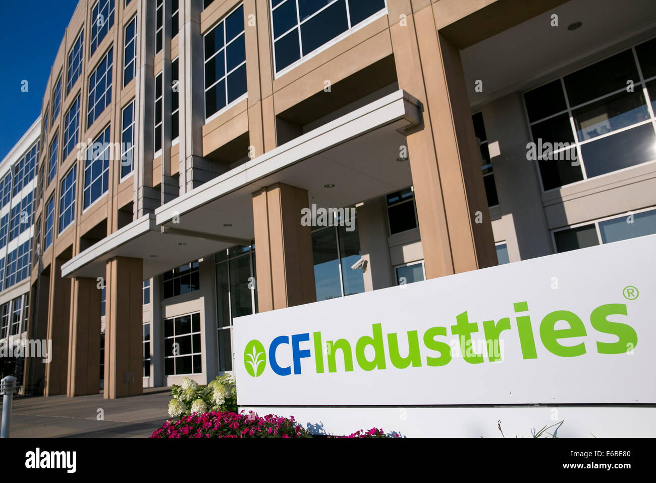 The headquarters of  CF Industries Holdings, Inc., in Deerfield, Illinois. - Stock Image