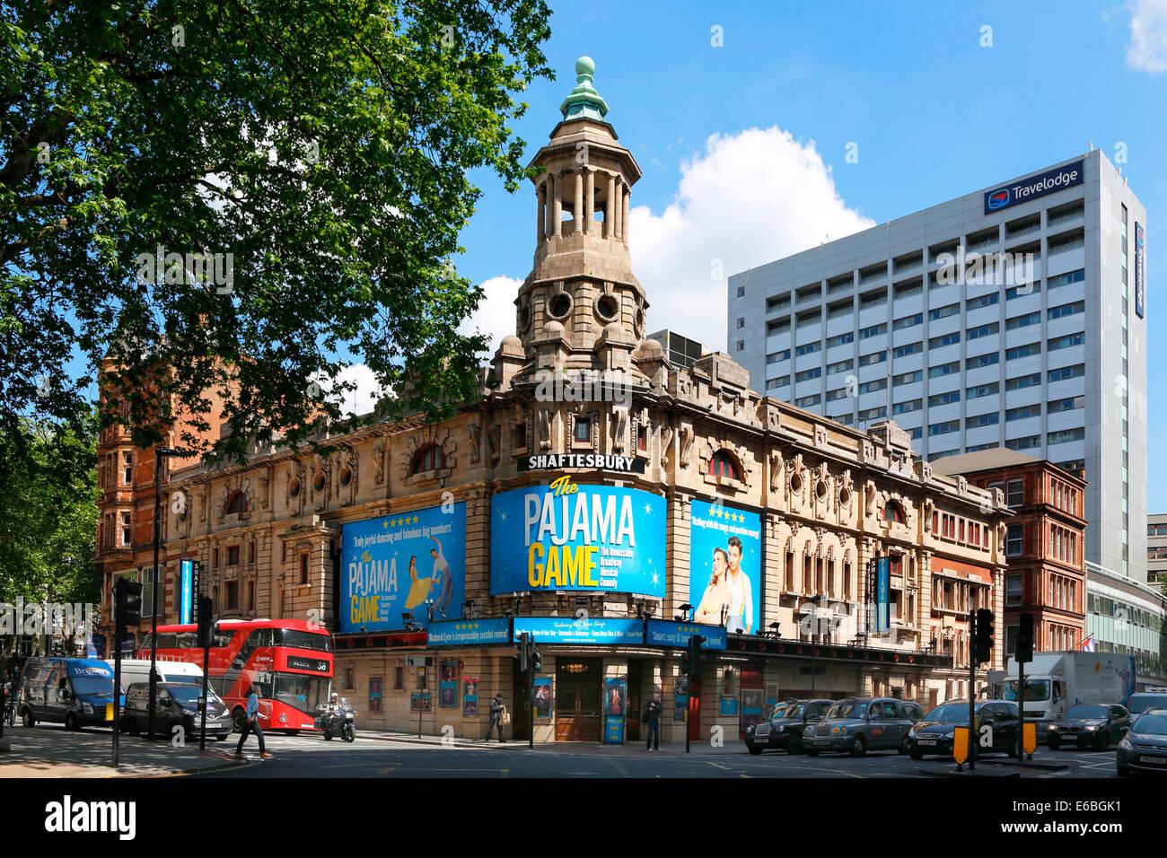 Großbritannien Great Britain London Shaftesbury Ave - Stock Image