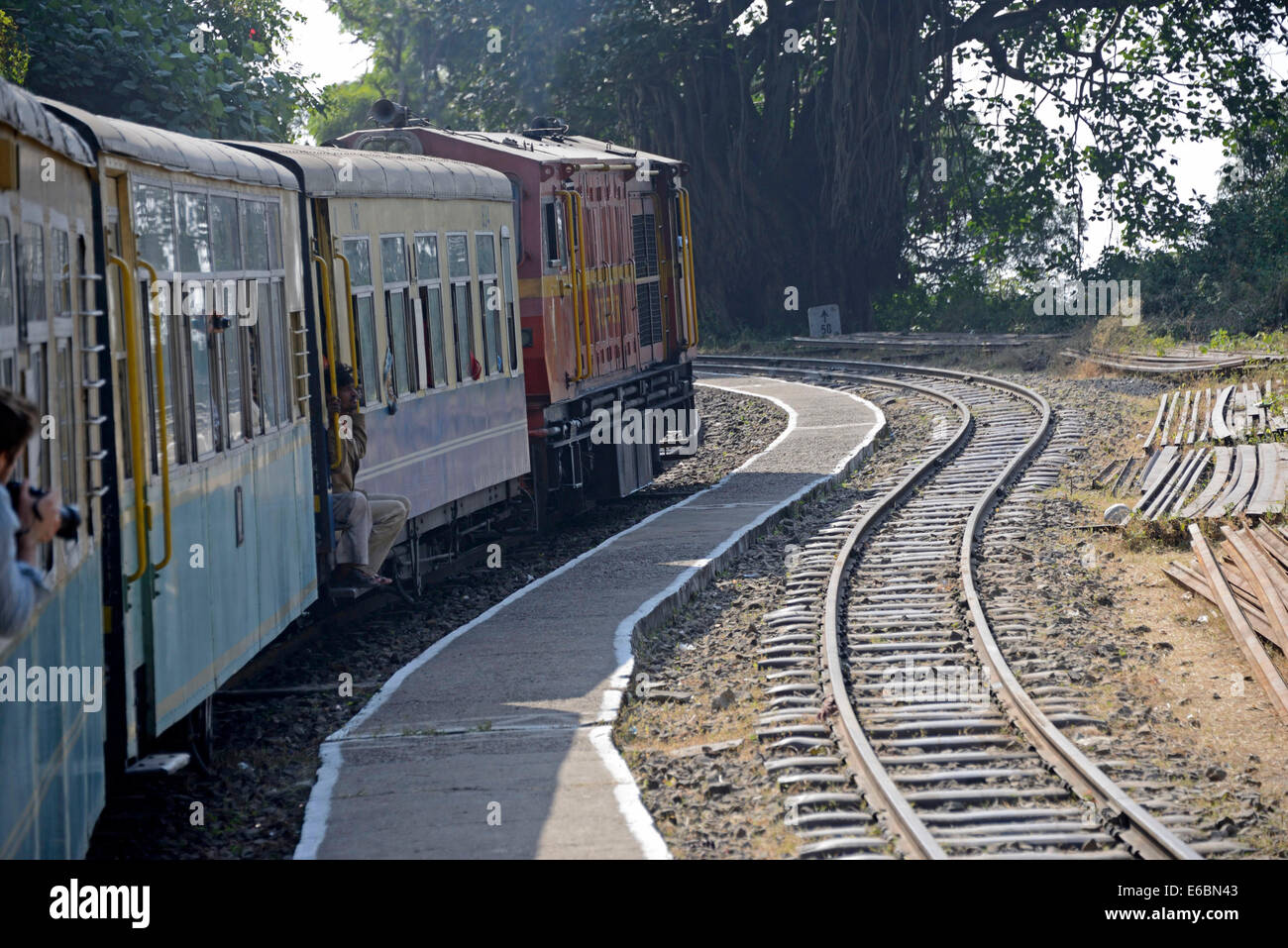 The Himalayan Queen train trundles along between 40- 45 kph on the Kalka-Shimla 96 km long railway track in India - Stock Image