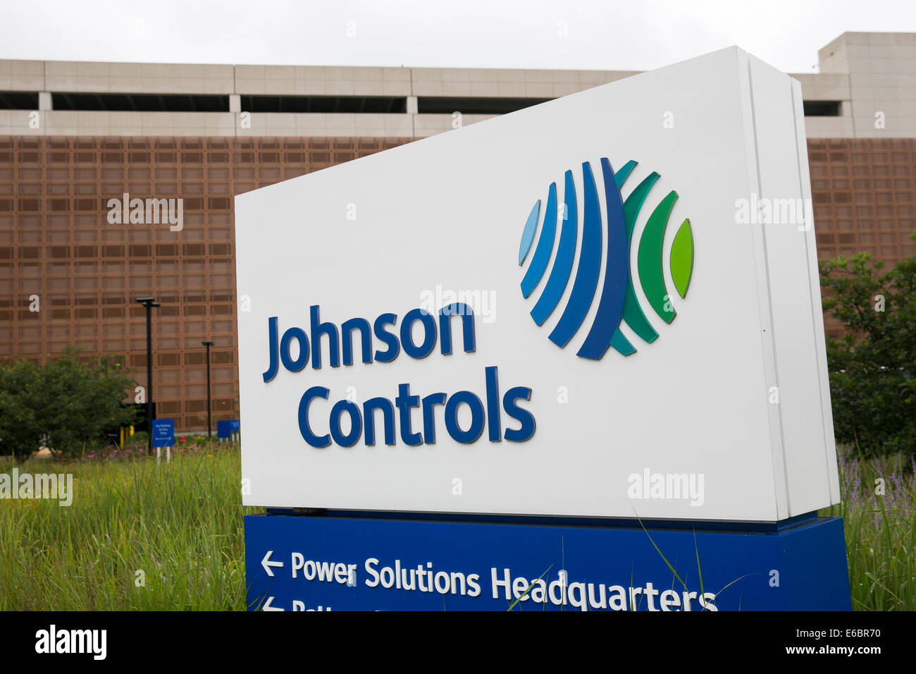 The headquarters of Johnson Controls in Milwaukee, Wisconsin. - Stock Image