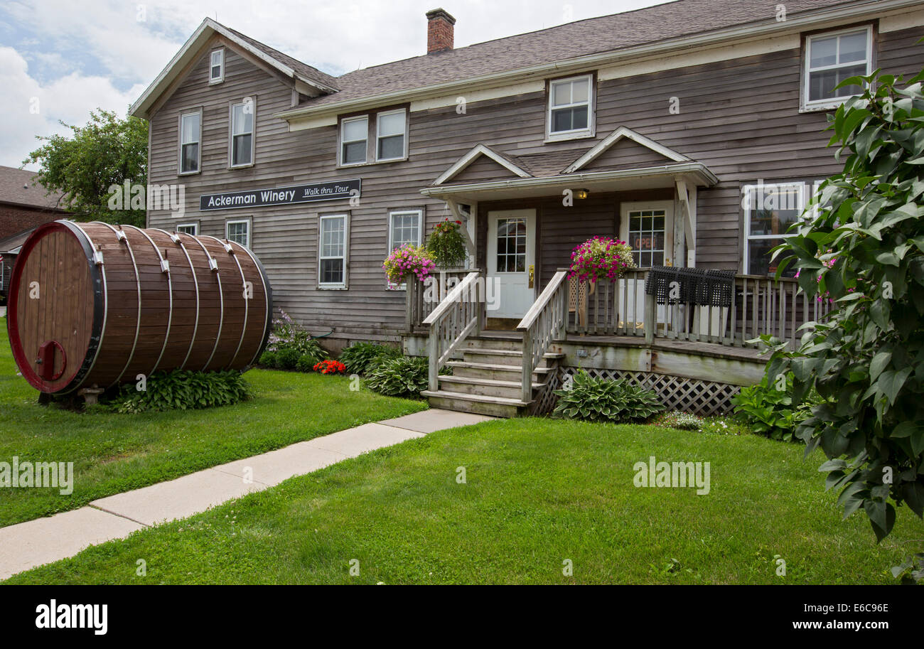 Amana, Iowa - The Ackerman Winery at the formerly communal Amana Colonies, established by German immigrants in 1855. - Stock Image